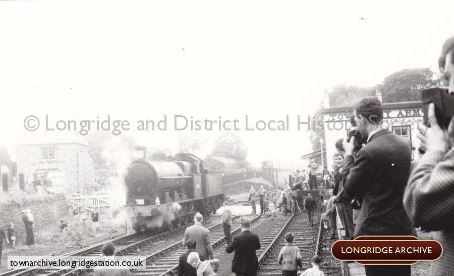 The Crowds At Longridge Station