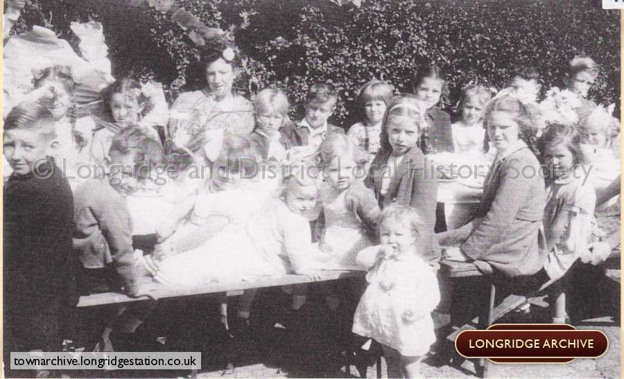 Street Parties To Celebrate The End Of Ww2